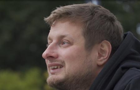 Dominik Szczepański: Wpisaniu interesuje mnie opisywanie historii ludzi żyjących niestandardowo